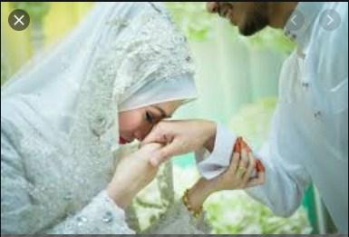 Kewajiban suami memenuhi hak terhadap istrinya dalam Islam (Madinanews.id)